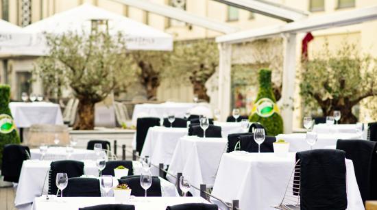 Klubs Restorans Sezona
