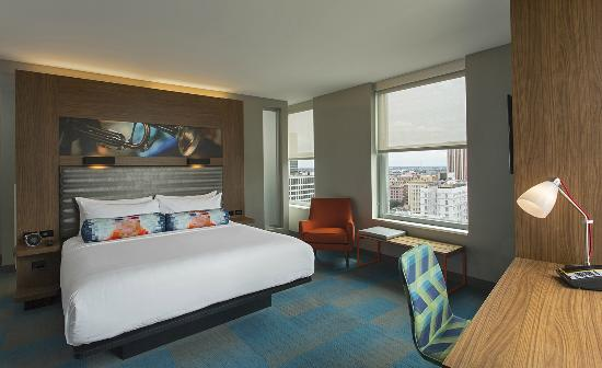 Aloft New Orleans Downtown King Guestroom