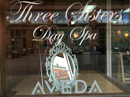 ‪Three Sisters Day Spa‬