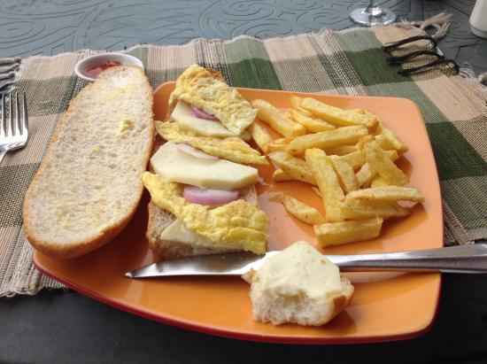 Omlette and chips!