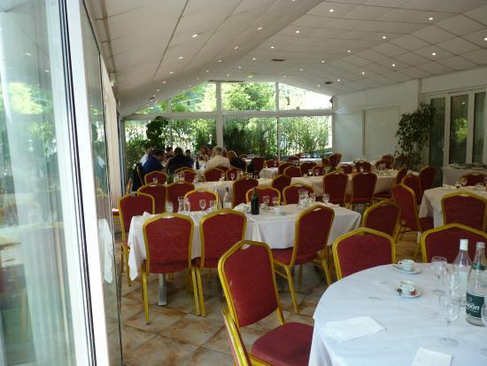 Restaurant les palmiers nice salle de restaurant for Garage les palmiers nice
