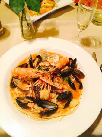 Francine's: Seafood casserole