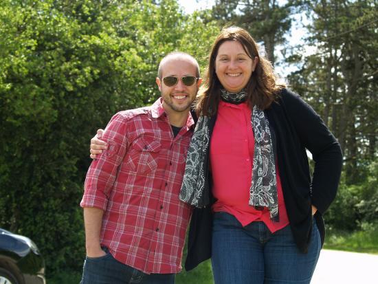 Aux Quatre Saisons Wine Tours : Stephanie, our tour guide