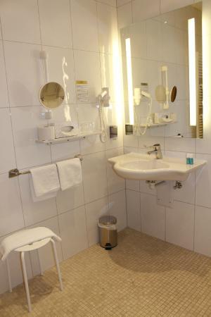 Austria Classic Hotel Heiligkreuz: Accessible Room