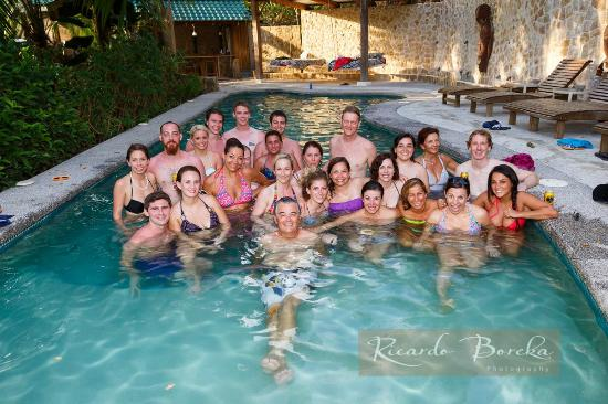 هوتل موانا: Between the wedding and the reception we all went back in the pool!