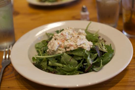 Rue Cler Restaurant: Chicken Salad