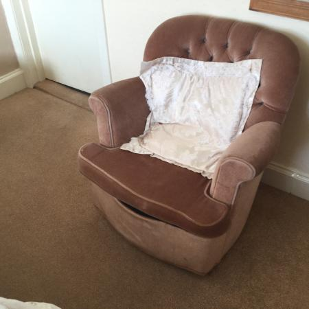 Lochcarron Hotel: Shabby chair