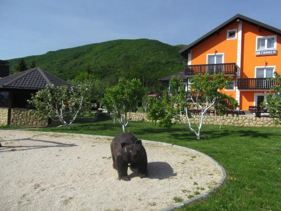 House Perisic: Garden