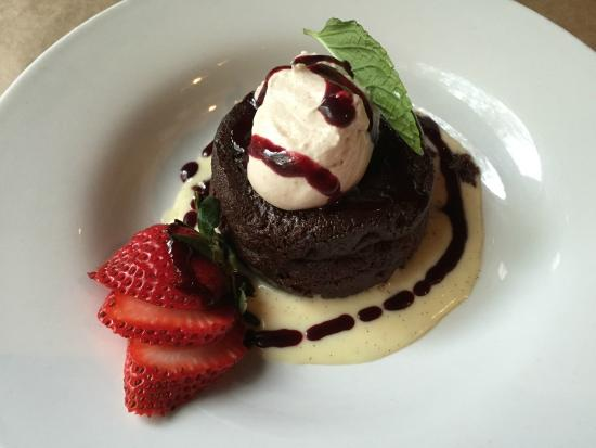 Brix Restaurant and Wine Bar: Flourless chocolate cake