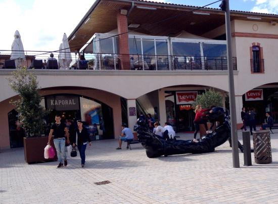 ‪Nailloux Outlet Village‬
