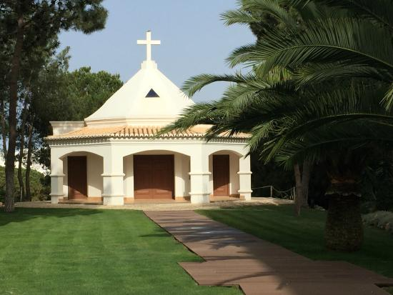 Sensimar Falesia Atlántic: Little chapel in grounds