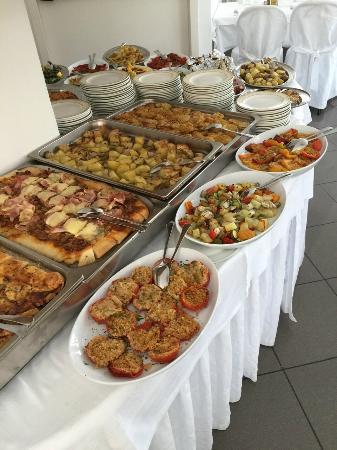 Hotel Mediterraneo: обед!
