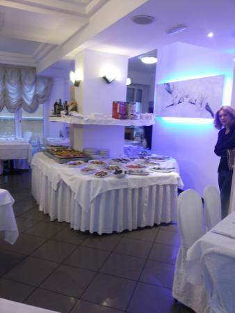 Hotel Mediterraneo: вечерний ресторан!