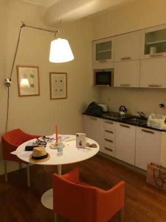 Residence Hilda: Kitchen space