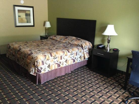 Knights Inn Lenoir City: King Room