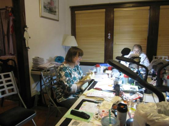 Linden Tree Inn: scrapbook ladies getting creative