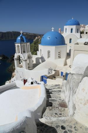 Fira, Grecia: Olaf's Composing a shot in the Village of Oia