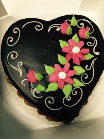 Orrville, โอไฮโอ: Heart Cake ~ ️Red Velvet