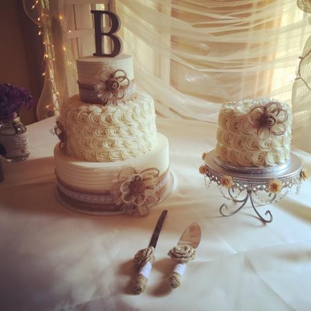 Orrville, OH: Wedding Cake - Landol's Castle