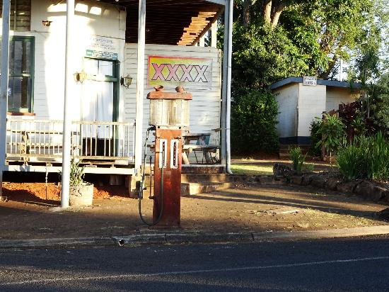 Peeramon, Australien: The front of the hotel