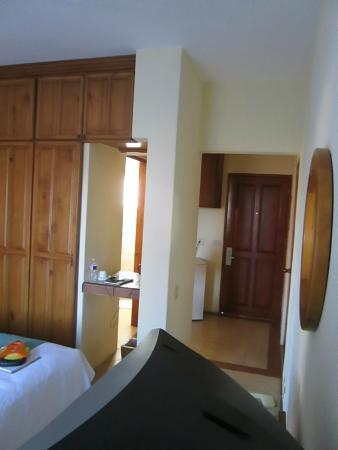 El Ameyal Hotel & Family Suites : interior habitacion sencilla