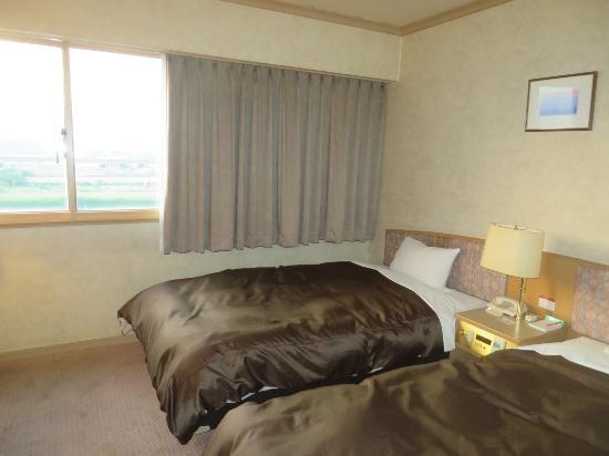 Ozu Plaza Hotel: 部屋