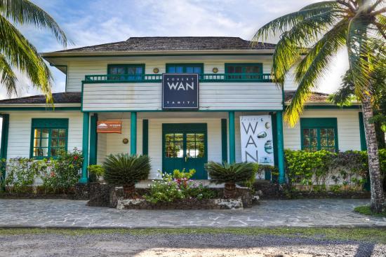 Robert Wan Bora Bora Boutiques
