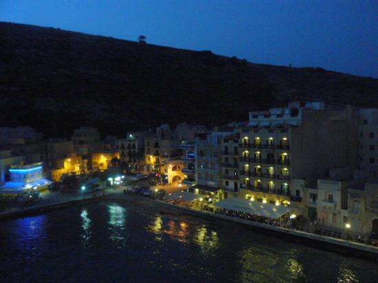 Xlendi Bay: Xlendi at night