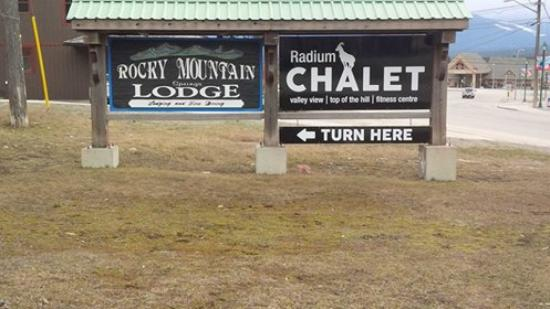 Photo of Chalet Europe Hotel - Radium Hot Springs
