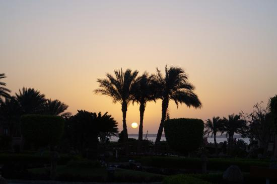 Paradise Inn Group for Hotels & Resorts: 6 am, watch the sun rise!!!