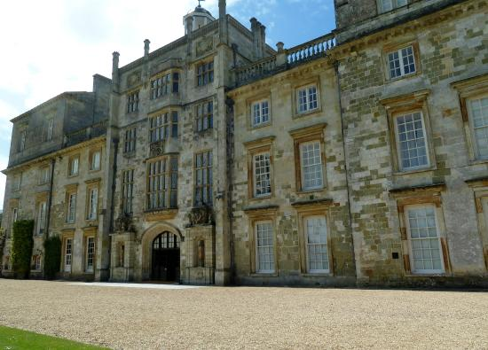 The front of Wilton House.
