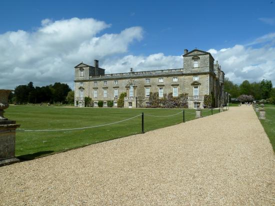 The side View of Wilton House.