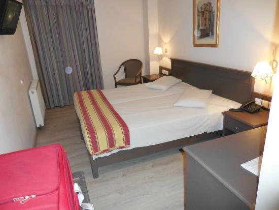 Castello City Hotel: Quarto