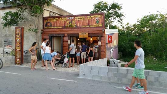 Vir, Croatia: Fast food Lucky