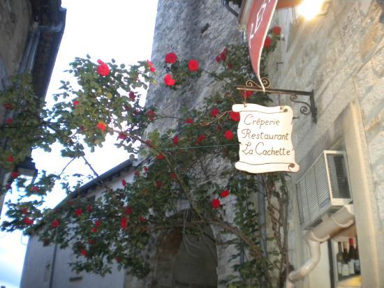 La Cachette : Enseigne du restaurant.