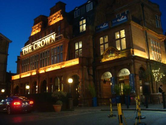 Clayton Crown Hotel Fachada Do