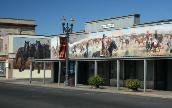 Toppenish, WA: Two murals