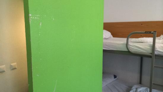 Amstel House Hostel: Rooms are absolutely disgusting