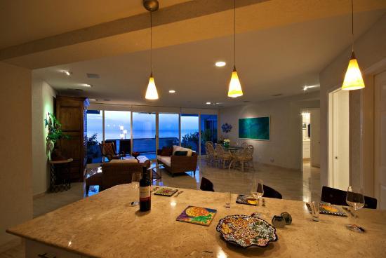Puesta del Sol Condominiums: Puesta del Sol