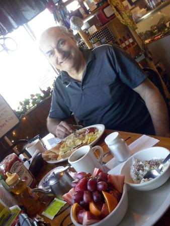 Dubois, ID: Traditional Bacon n Eggs , or a Fruitbowl