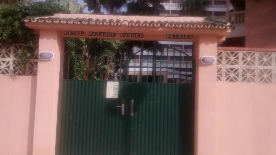 Hotel Parasol Garden: back gate that was only for hotel residents to use