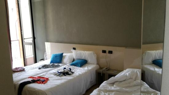 Chambre spacieuse picture of b b hotel firenze nuovo for Chambre hotel florence