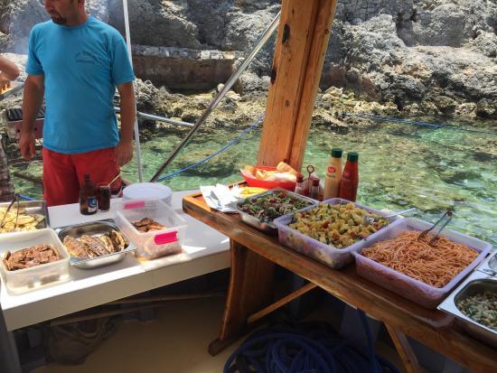 Cherry Tree Boat Tours / Day Tours: Open buffet bbq'd & freshly prepared. Trout fish, chicken, kofta, onions, spaghetti, 3 salads, p