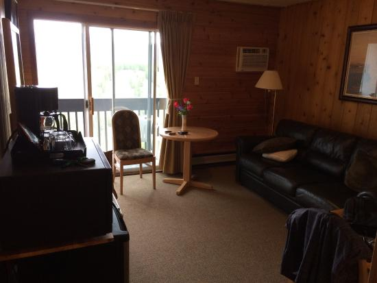 Rocky Mountain Springs Lodge and Restaurant: photo2.jpg