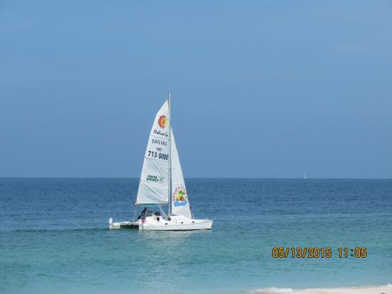 Anna Maria Island Dream Inn: Watching the sail boat over my 2nd cup of coffee