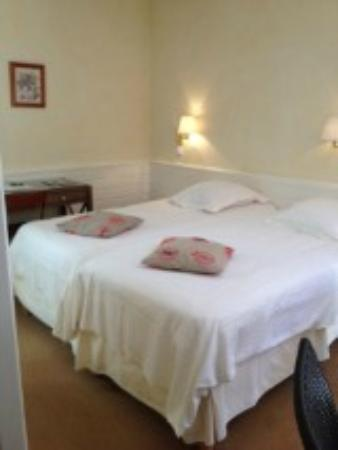 Le Mas de La Cremaillere : The bed