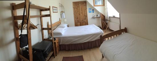 Castle Lodge Bed & Breakfast: Our room, number 4