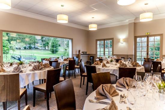 Restaurant photo de restaurant golf de domont domont for Restaurant domont