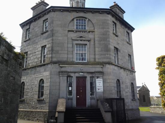 Nenagh Heritage Museum: Georgian exterior