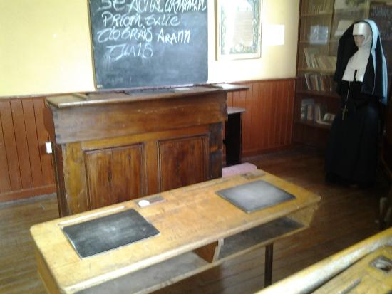 Nenagh Heritage Museum: mock-up of the schoolroom